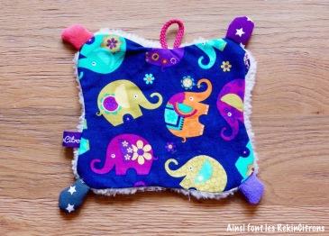 Doudou plat elephants verso violet alm