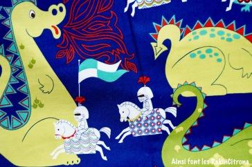 tissu alexander henry chevaliers dragons details