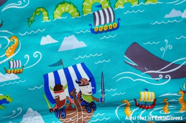 Tissu alexander henry the viking sea 2 detail