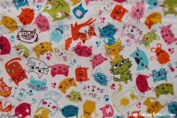 tissu chats gribouillés toile japonaise detail