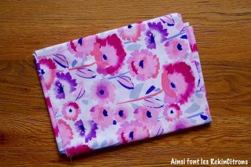 Tissu grosses fleurs roses