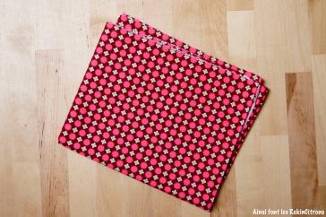 tissu-petit-pan-bulles-rose-bordeau