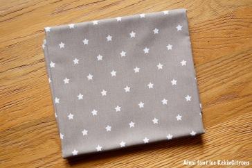 tissu toile taupe etoiles